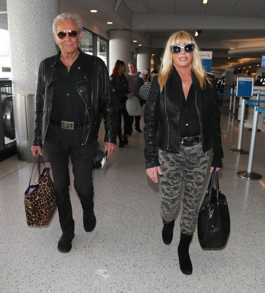Suzanne Somers and Alan Hamel are seen on October 29, 2018 in Los Angeles, CA | Photo: Getty Images
