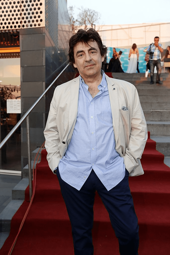 Le chanteur belge Claude Barzotti arrive pour le BIAF (Beirut International Awards Festivals) le 12 juin 2015, dans la baie de Zaitunay à Beyrouth. | Photo : Getty Images