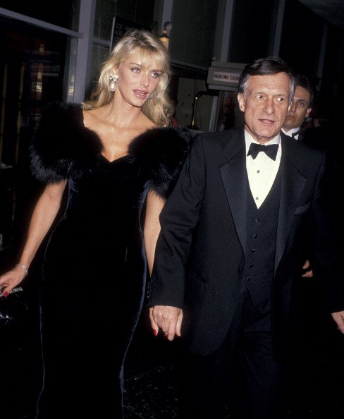 Hugh Hefner and Kimberley Conrad on October 19, 1988 at the Beverly Hilton Hotel in Beverly Hills, California. | Photo: Getty Images