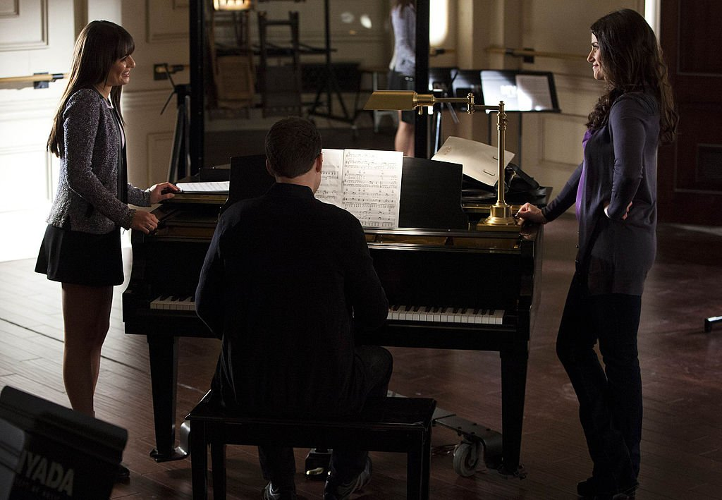 """Lea Michele as Rachel and guest star Idina Menzel as her mother in the """"Sweet Dreams"""" episode of """"Glee,"""" March 2013 