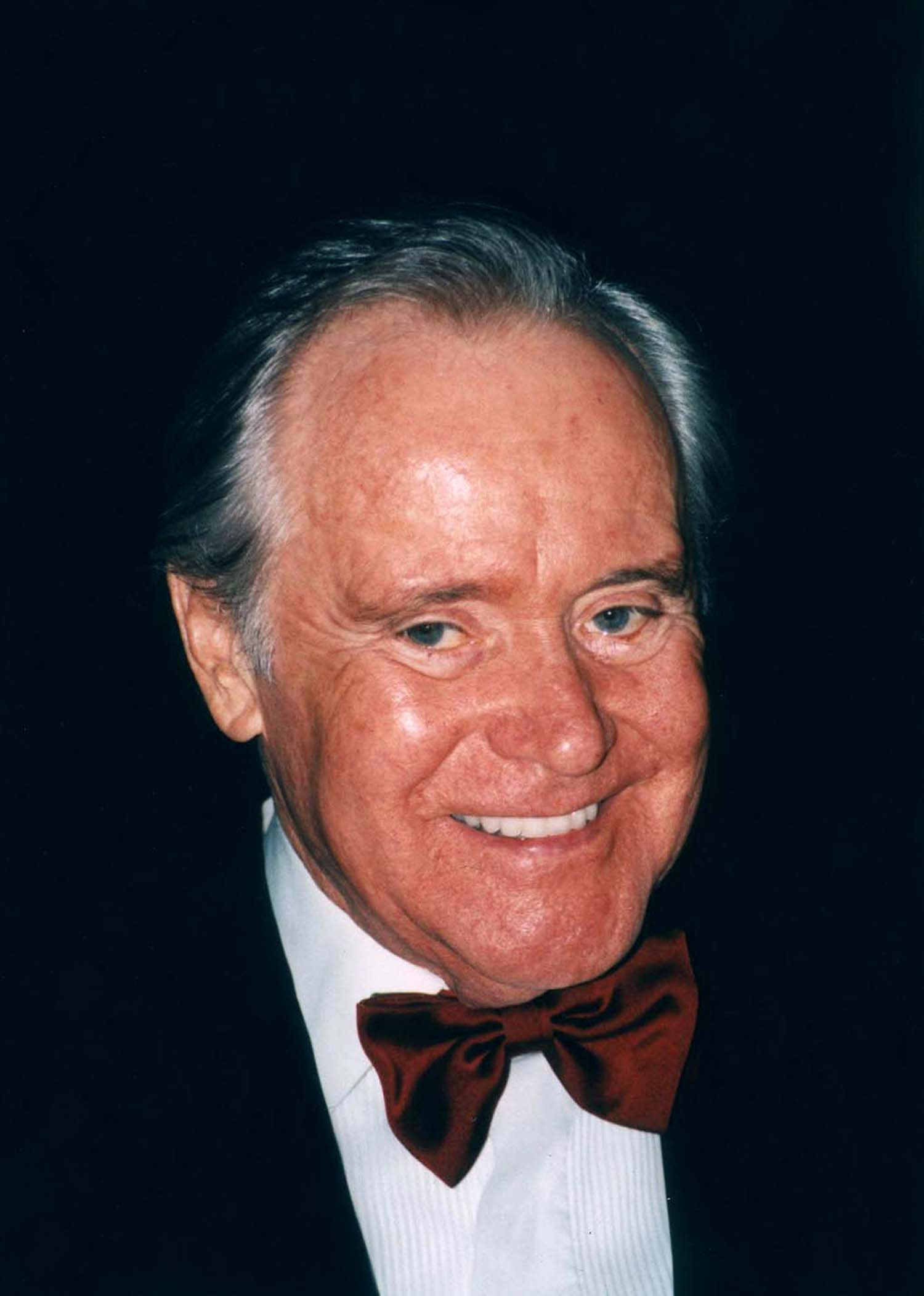 A photo of actor Jack Lemmon from 2002. | Source: Wikimedia Commons