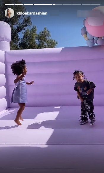 Screenshot of video clip showing True Thompson and Stormi Webster at True's 3rd birthday party. | Source: Instagram/khloekardashian