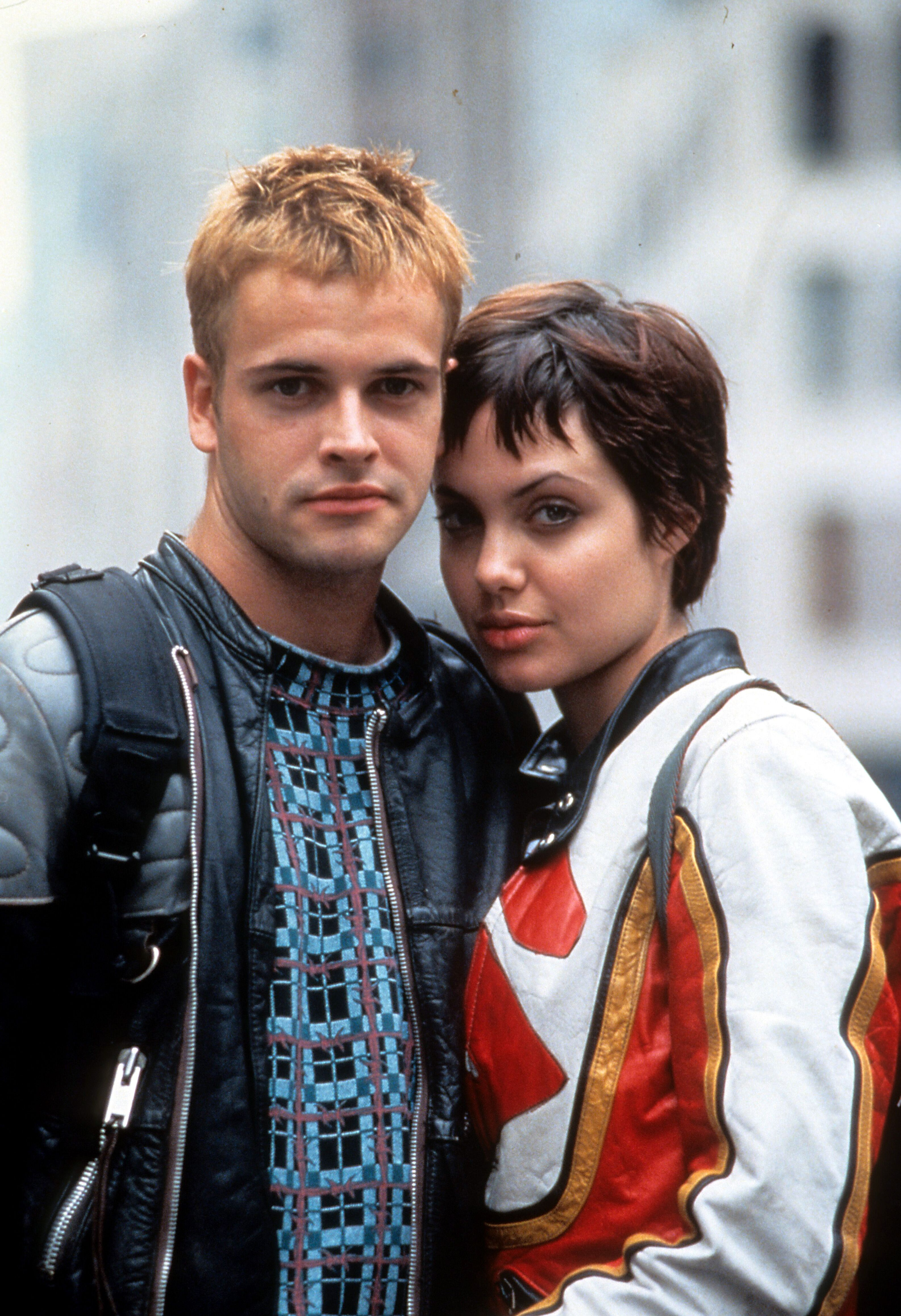 Jonny Lee Miller and Angelina Jolie in a scene from the movie 'Hackers', 1995. | Photo : Getty Images