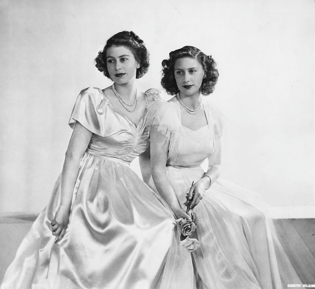 Portrait of Princess Elizabeth and her sister Princess Margaret circa December 11th 1946 | Photo: Getty Images
