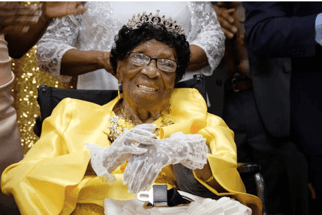 Alelia Murphy during her 114th birthday celebration on July 6, 2019. | Photo: twitter/newyorkdailynews