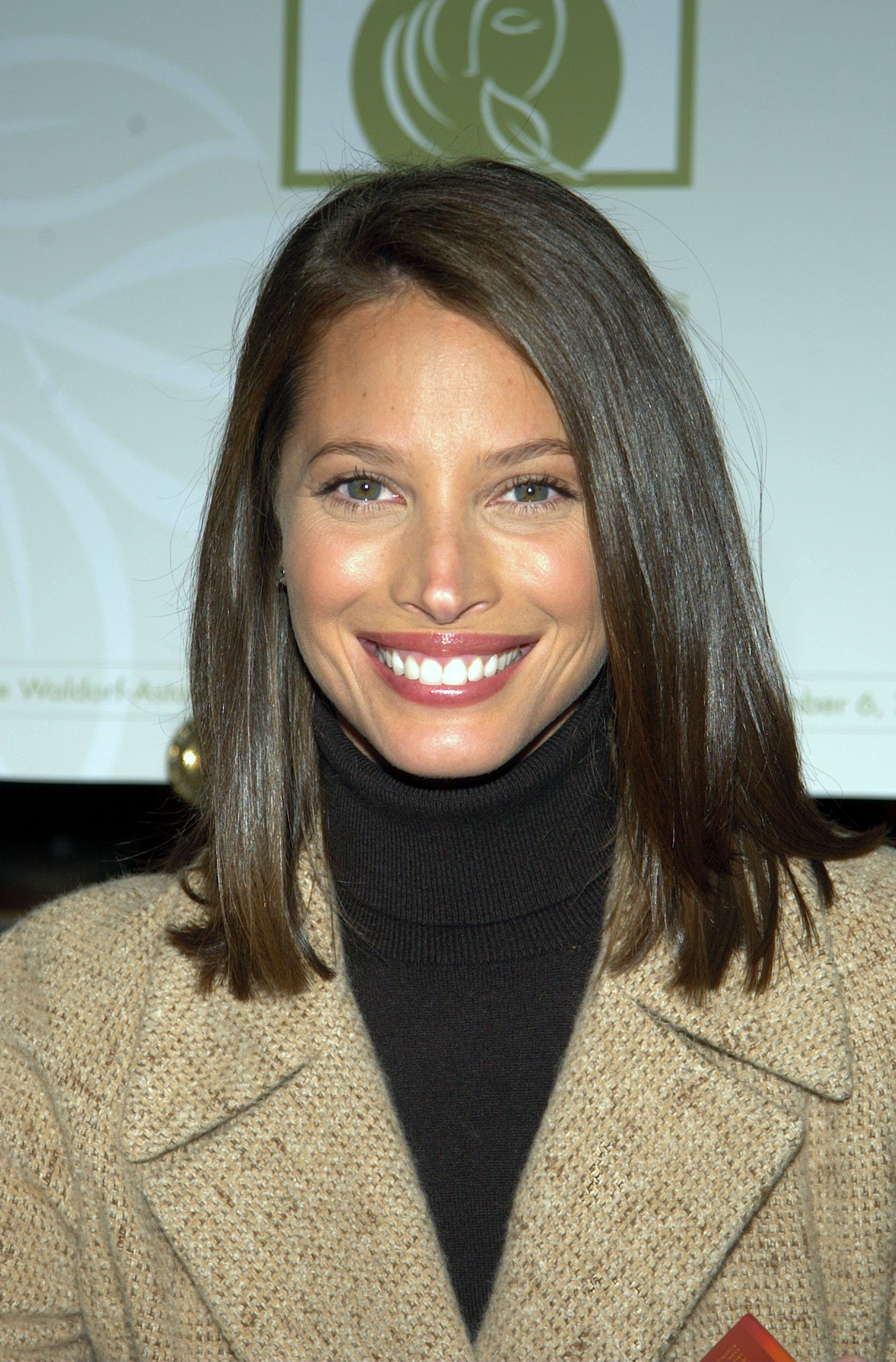 Christy Turlington appears at the Bath & Body Works Well-Being Summit November 6, 2002, at the Waldorf-Astoria hotel in New York City. | Source: Getty Images.
