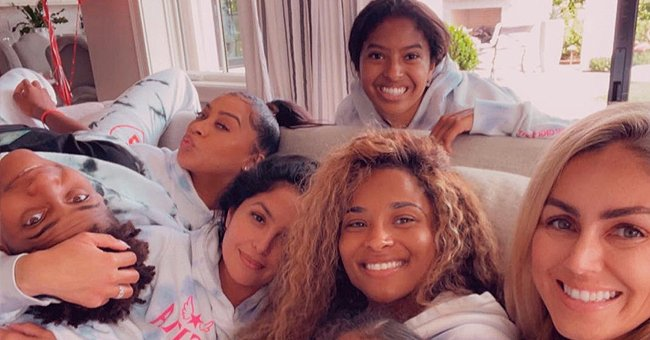 Vanessa Bryant, La La Anthony, Ciara, & Kids Pose in Matching Clothes in Honor of Gigi's 15th Heavenly Birthday