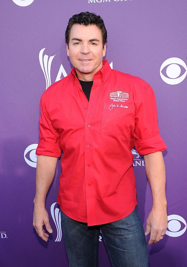 Papa John's Pizza CEO John Schnatter arrives at the 47th Annual Academy Of Country Music Awards held at the MGM Grand Garden Arena | Photo: Getty Images