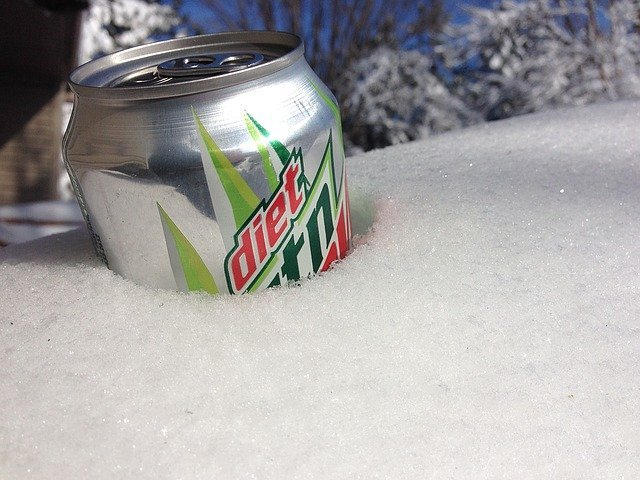 Mountain Dew in snow. | Source: Pixabay