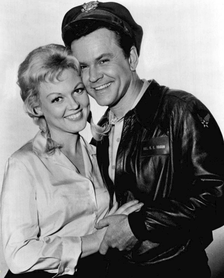 Photo of Cynthia Lynn and Bob Crane in 1966 | Photo: Wikimedia Commons