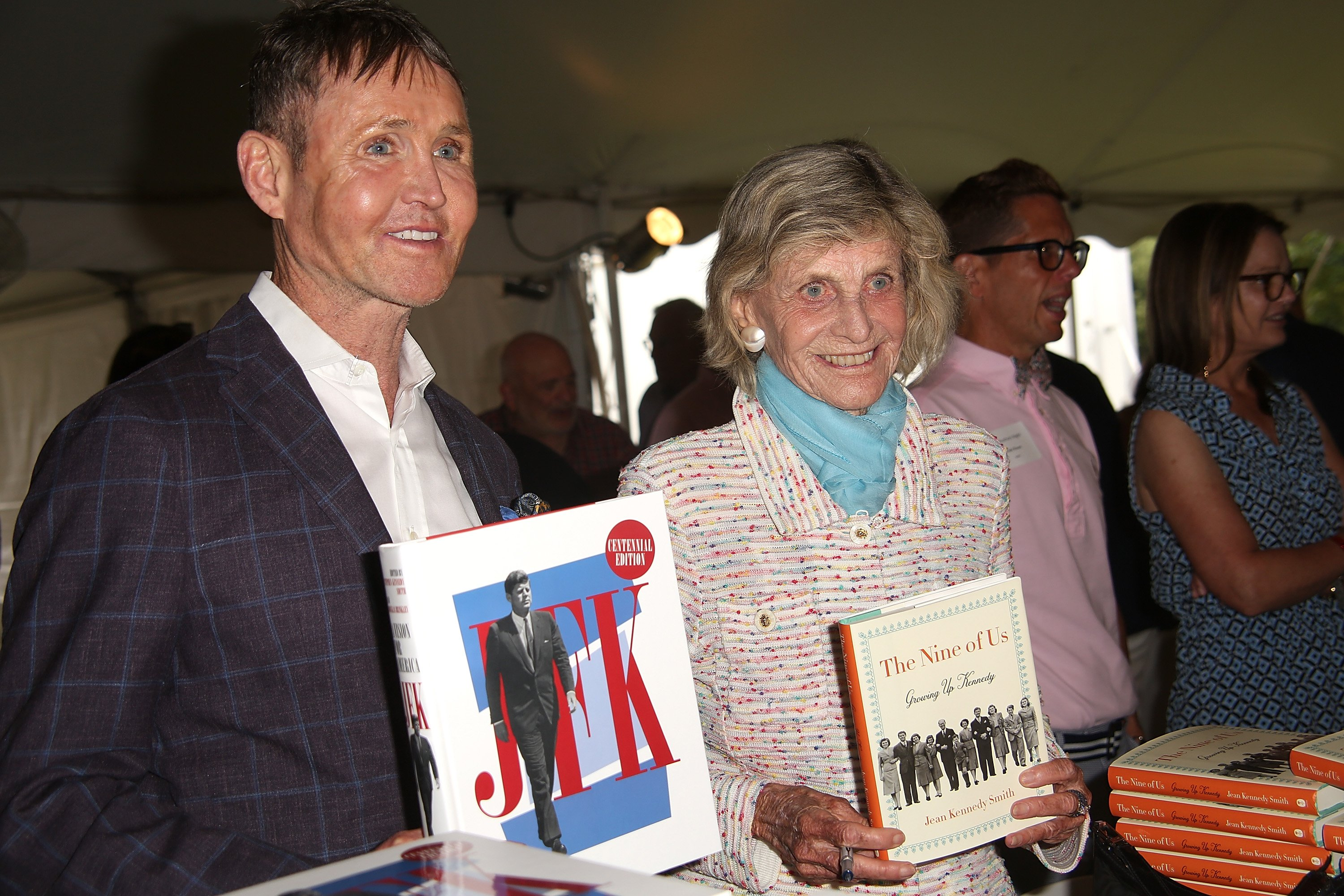 Stephen Kennedy Smith and Jean Kennedy Smith attend Author's Night on August 12, 2017 in East Hampton, New York | Photo: Getty Images