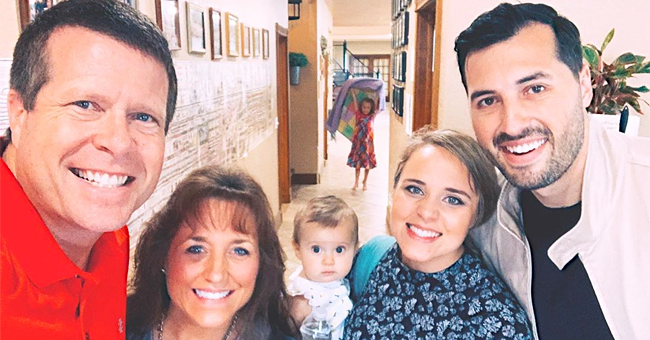 Duggars Smile in a New Family Photo Amid Grandma Mary's Death