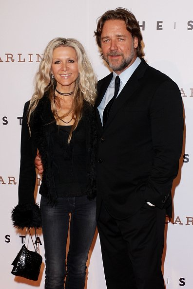 Danielle Spencer and Russell Crowe at The Star Opening Party on October 25, 2011 in Sydney, Australia. | Photo: Getty Images