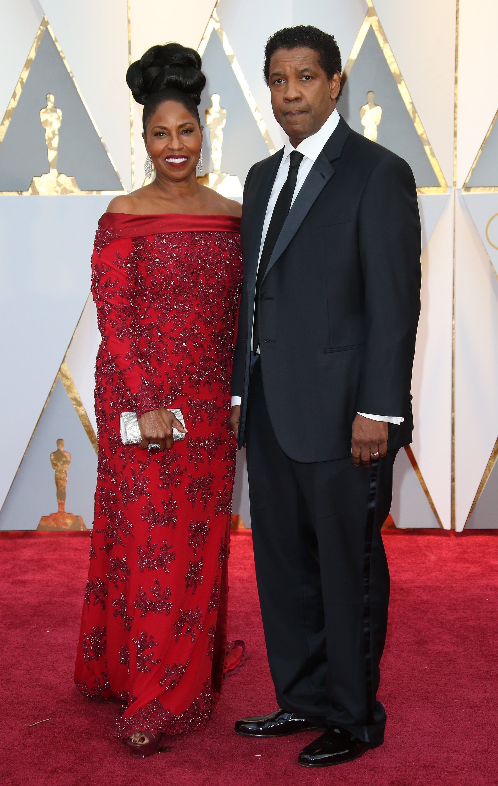 Denzel and Pauletta Washington arrive at the 89th Annual Academy Awards at Hollywood & Highland Center on February 26, 2017. | Photo: GettyImages
