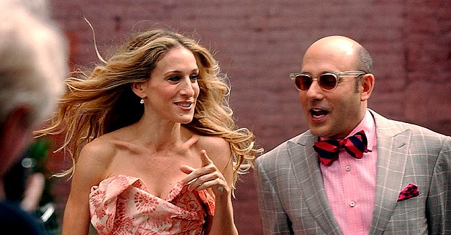 """Sarah Jessica Parker and Willie Garson on the set of the """"Sex And The City"""" movie in New York, 2007 