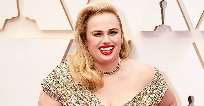 Rebel Wilson Shows off Her Hourglass Figure in a Blue & Yellow Rams Jersey after Losing 60 Lbs