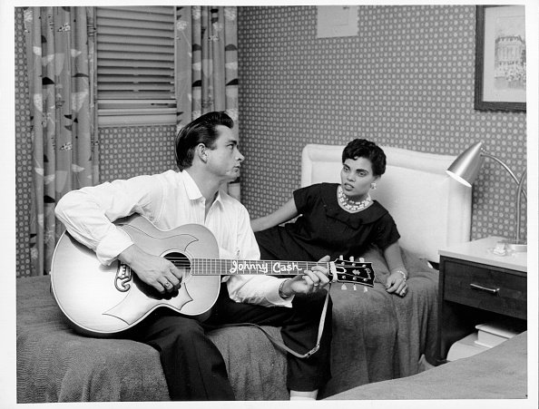 Johnny Cash and Vivian Liberto in circa 1957. | Photo: Getty Images