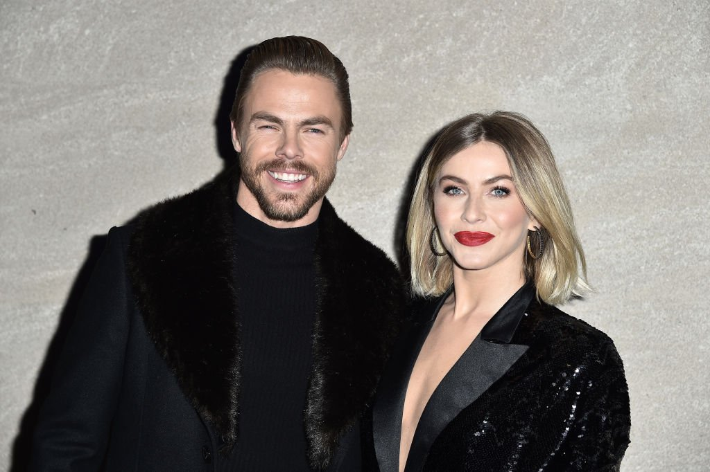 Derek Hough and Julianne Hough attends the 87th Annual Rockefeller Center Christmas Tree Lighting Ceremony at Rockefeller Center | Photo: Getty Images