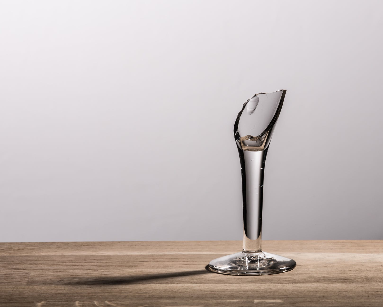 Denise accidentally broke some wine glasses and got punished. | Source: Pexels