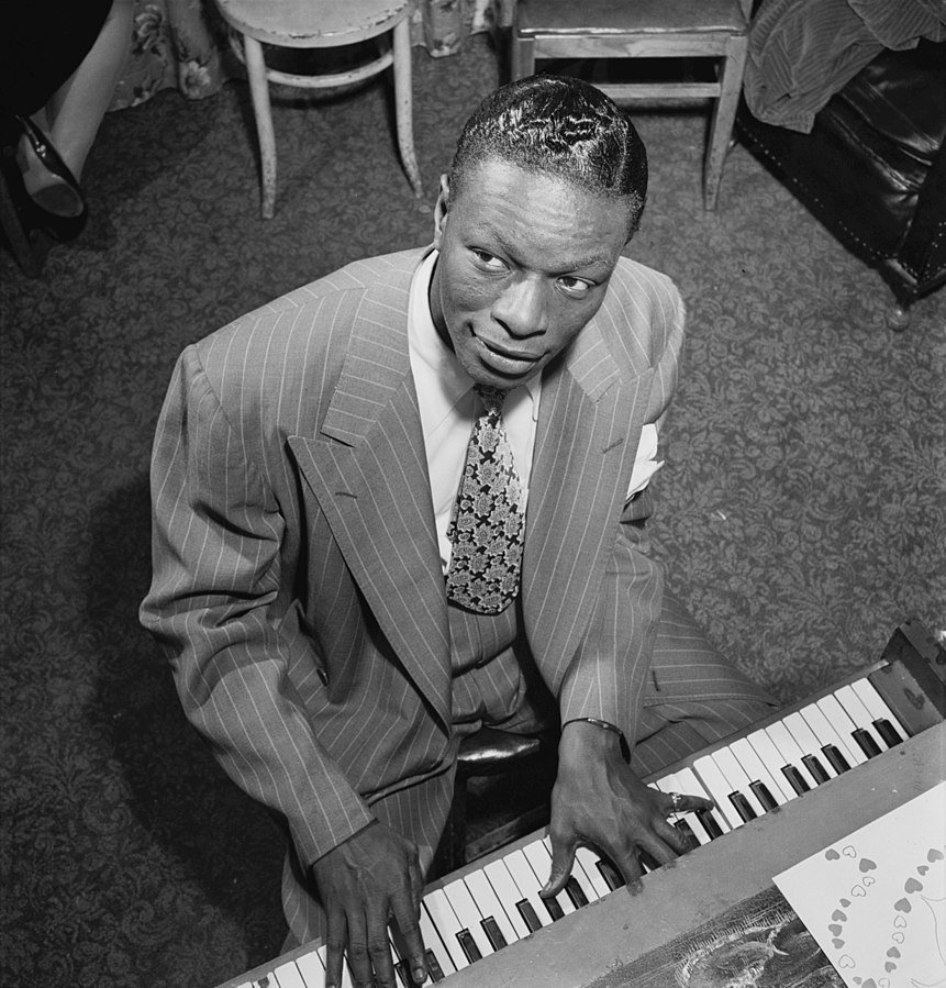 Nat King Cole in New York in June 1947 | Source: Wikimedia Commons