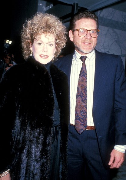 Elizabeth Montgomery and Robert Foxworth on January 27, 1989 at the St. James Club in West Hollywood, California. | Photo: Getty Images