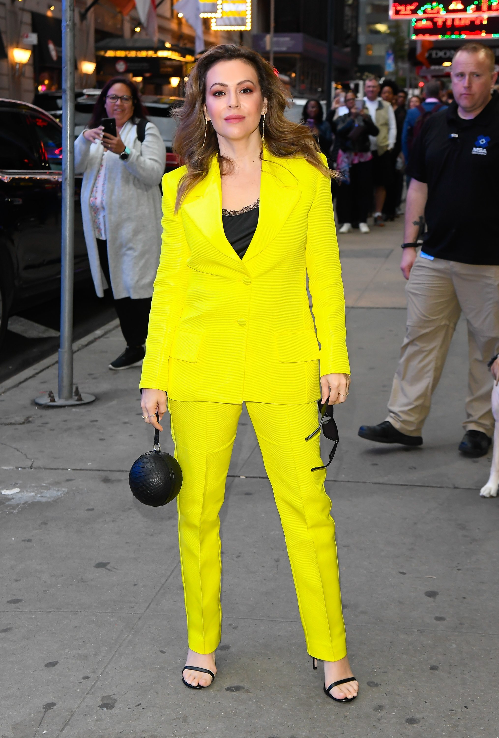 Alyssa Milano is seen outside Good Morning America on October 14, 2019 | Photo: Getty Images