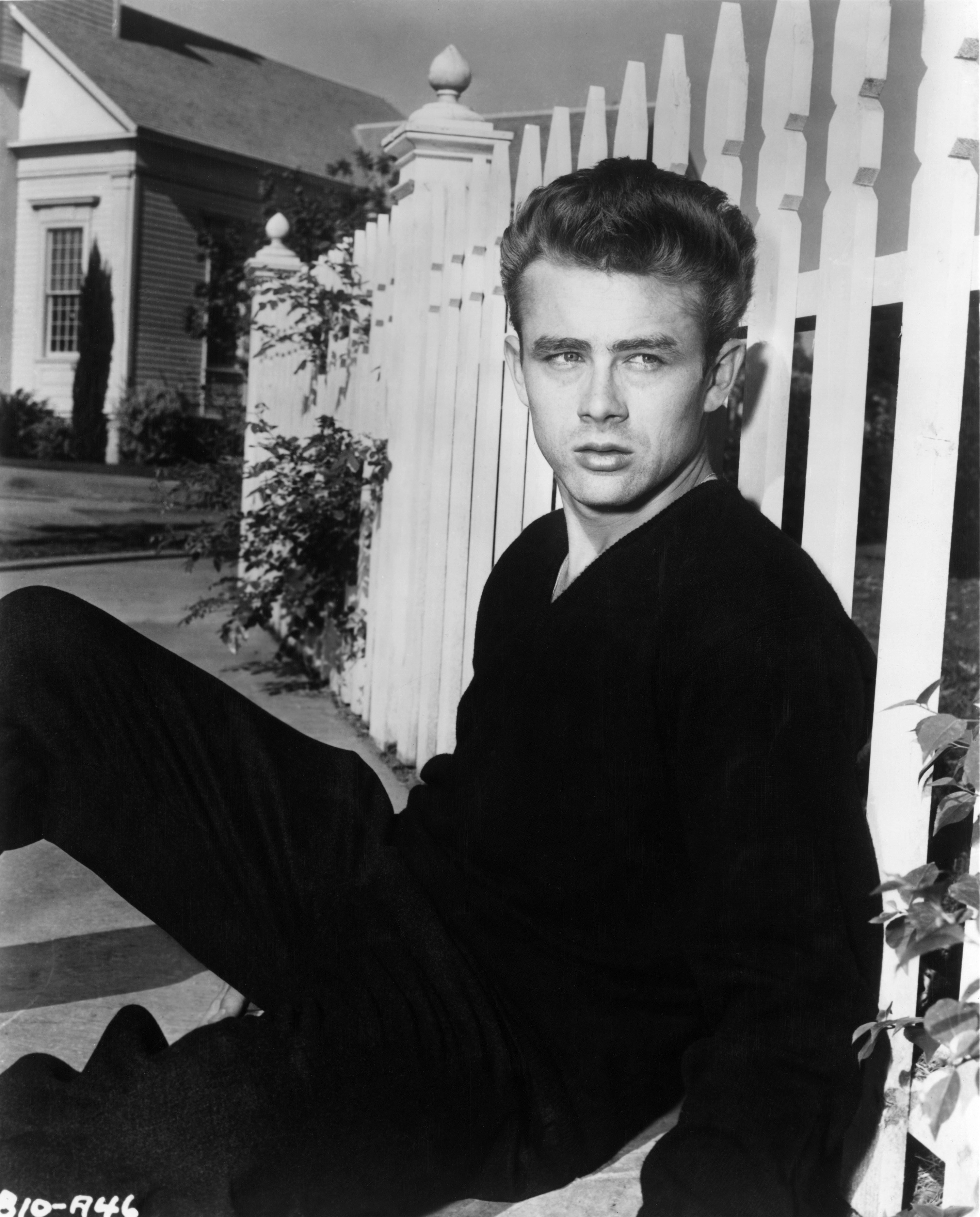 Actor James Dean poses for a photo on the set of the Warner Bros film 'East Of Eden' in 1954 in California. | Source: Getty Images