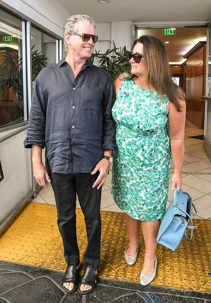 Pierce Brosnan and wife Keely Shaye Smith on August 30, 2017 in Los Angeles, California | Photo: Getty Images