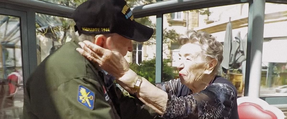 Une journaliste révèle comment elle a organisé la rencontre d'amants séparés par la seconde guerre mondiale après 75 ans