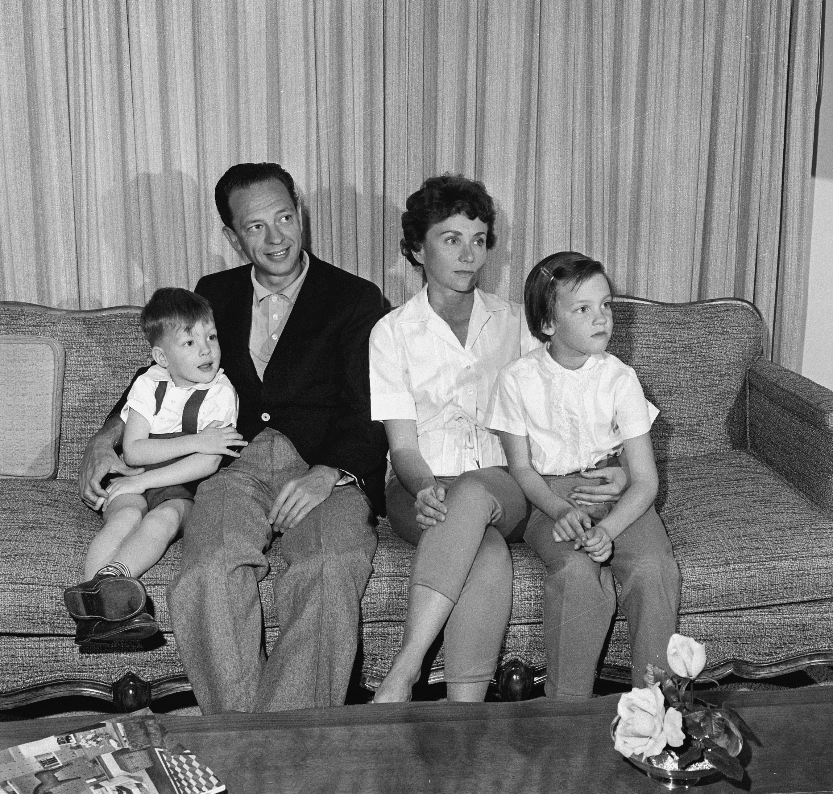 Don Knotts with his family at home, March 2, 1961. | Photo: Getty Images