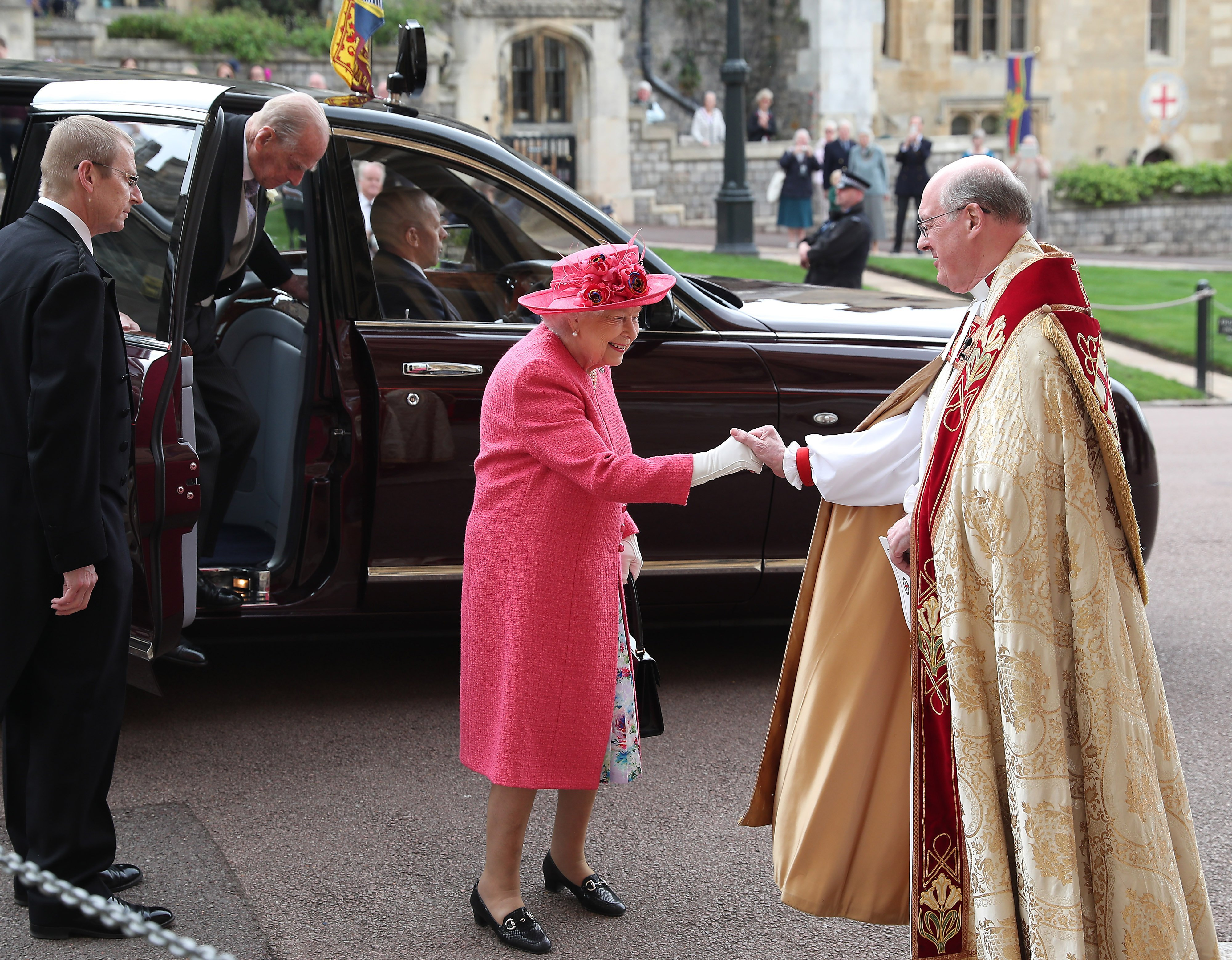 Queen Elizabeth II and Prince Philip arriving at St George's Chapel in Windsor Castle, England | Photo: Getty Images