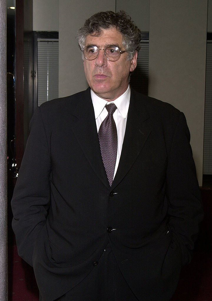 Elliott Gould arrives at annual Literacy In Media Awards November 2, 2001 | Photo: GettyImages