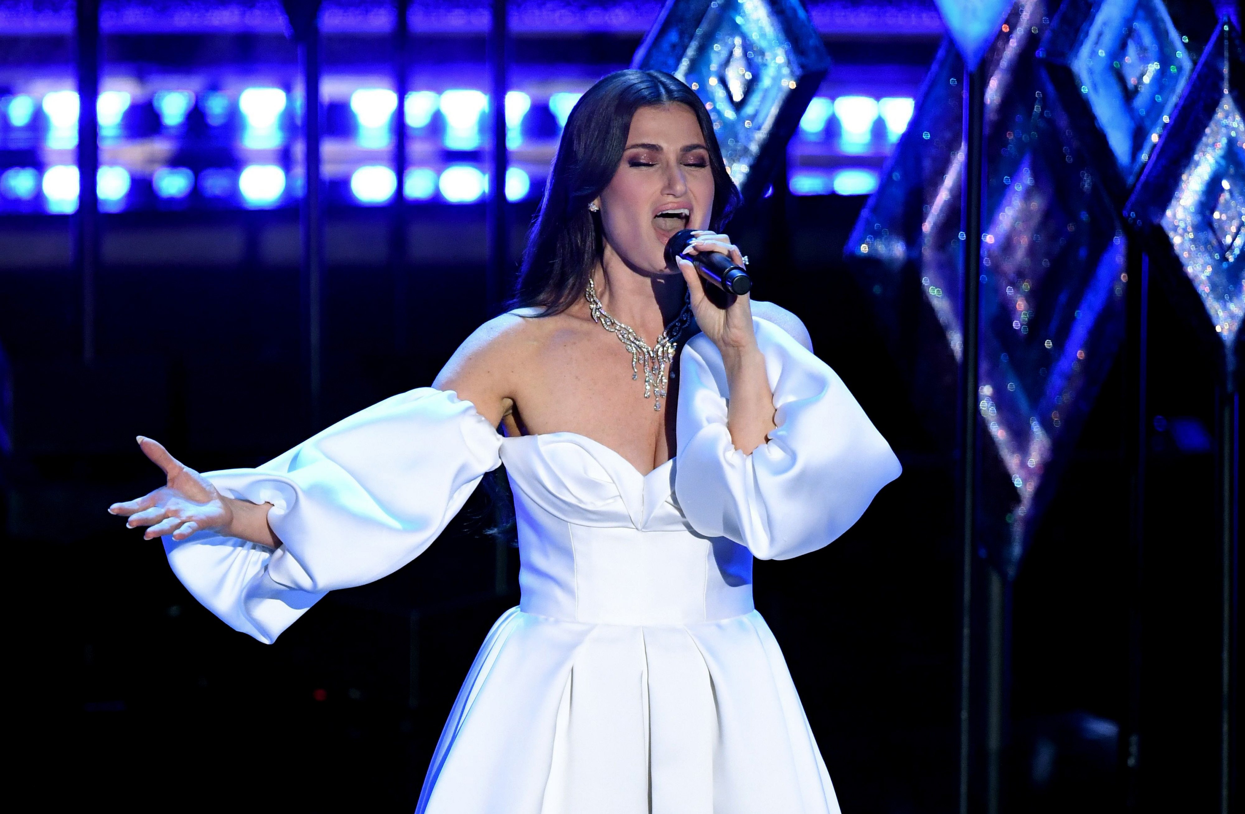 Idina Menzel performs at the 92nd Annual Academy Awards on February 09, 2020   Source: Getty Images