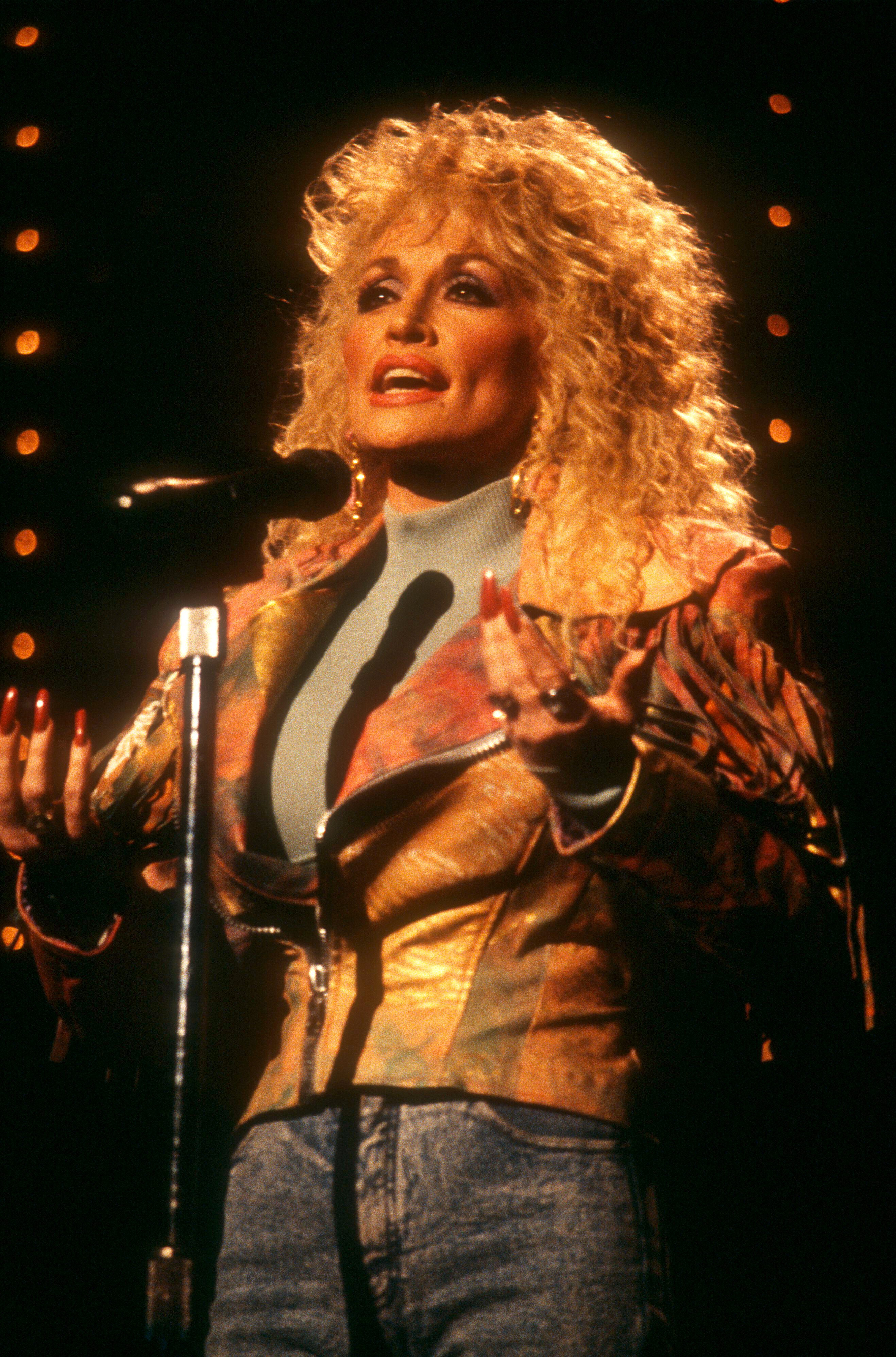 Dolly rehearsing for the Gospel Music Association Dove Awards in 1989 in Nashville.   Photo: Getty Images