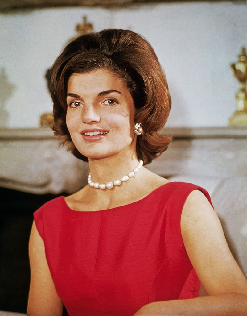 Jacqueline Kennedy at her Georgetown home in August 1960 | Photo: Bettmann/Getty Images
