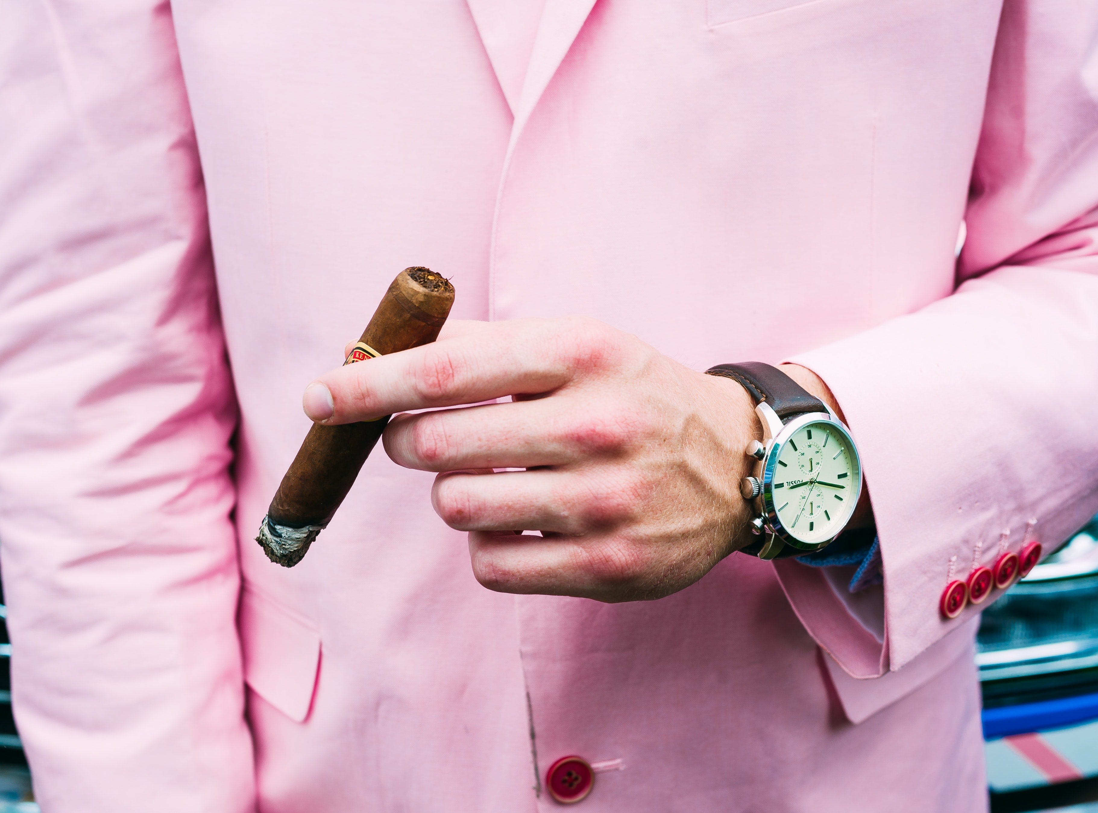The clerk succeeded in selling off the ugly pink suit to one customer.   Photo: Pexels