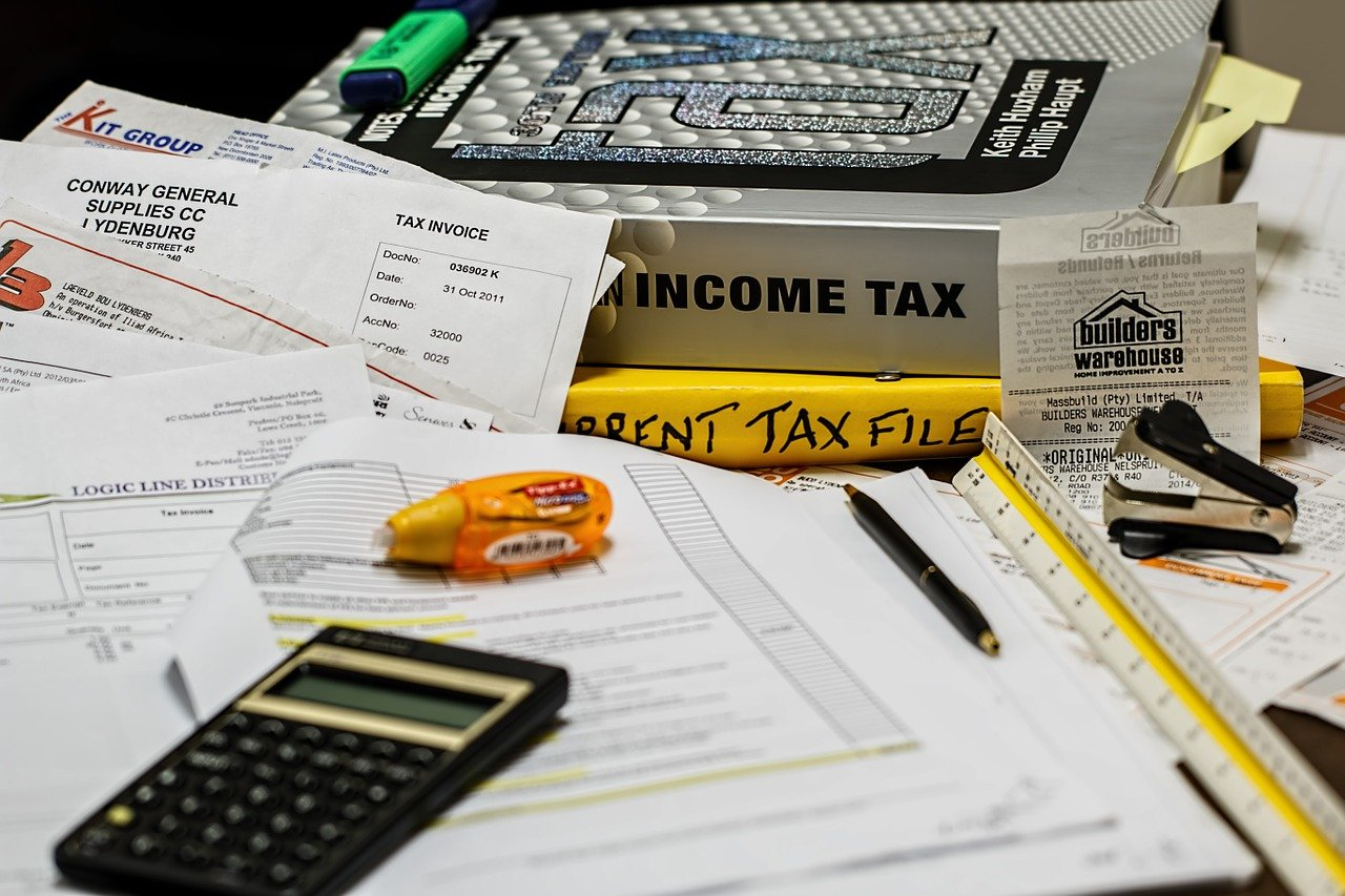Tax burden is painfully high in Illinois. I Image: Pixabay.