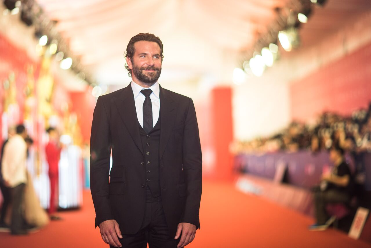 Bradley Cooper at a black tie event. | Source: Getty Images