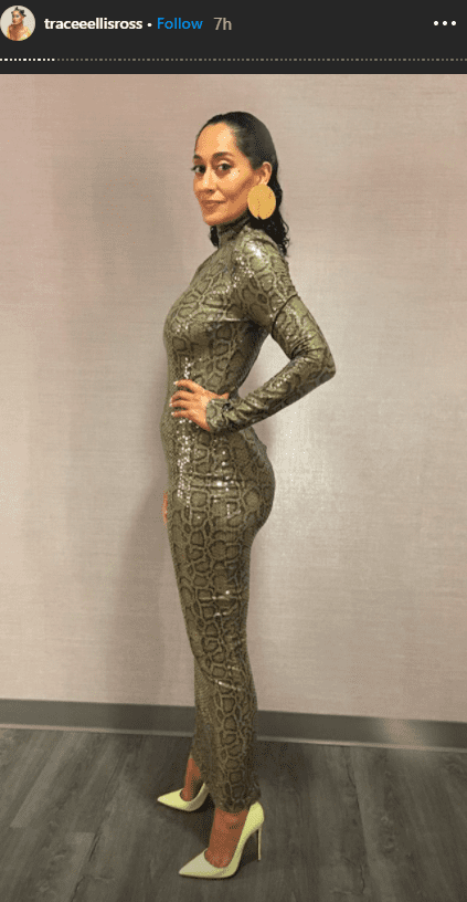 Tracee Ellis Ross looked classy and daring in a skin-tight snakeskin dress and heels. | Photo: instagram.com/traceeellisross