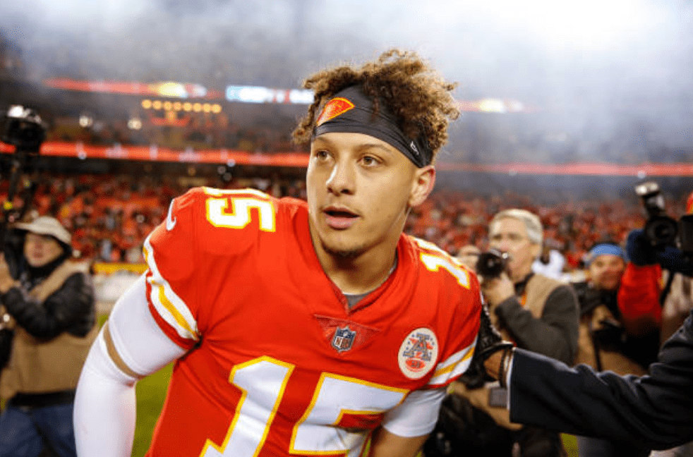 Patrick Mahomes from the Kansas City Chiefs greets players from the Oakland Raiders at the end of a game at Arrowhead Stadium on December 30, 2018, in Kansas City, Missouri | Source David Eulitt/Getty Images