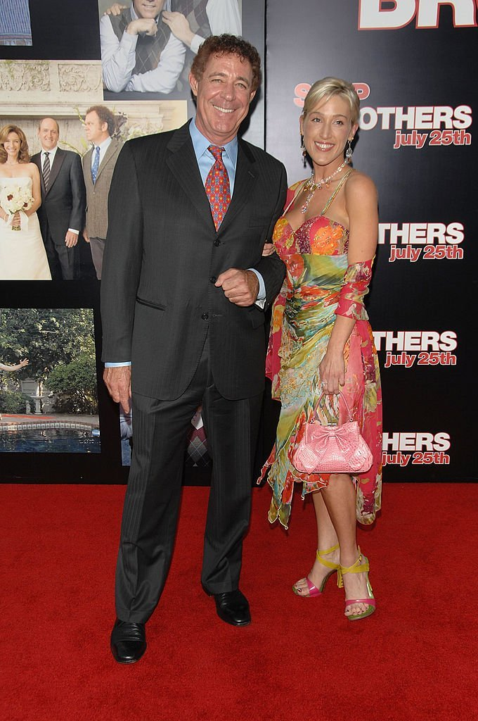 "Barry Williams and Elizabeth Kennedy attend the premiere of Sony Pictures' ""Step Brothers"" at the Mann Village Theater on July 15, 2008. 