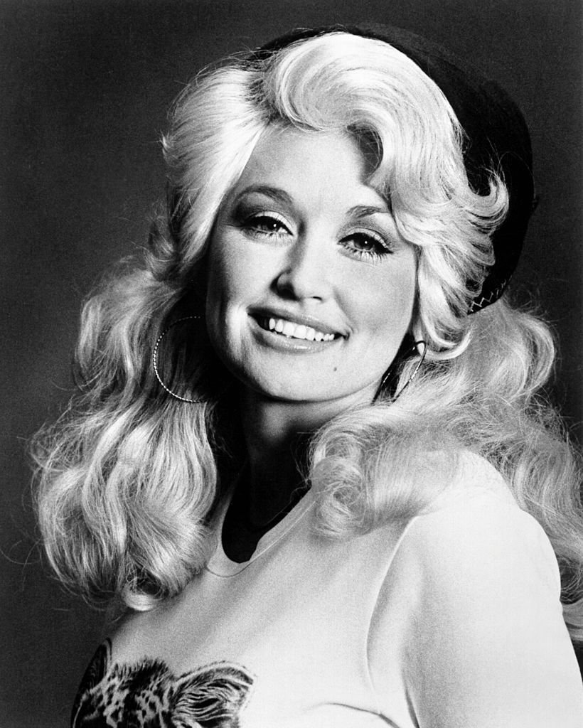 Dolly Parton poses for a portrait, circa 1970 | Source: Getty Images