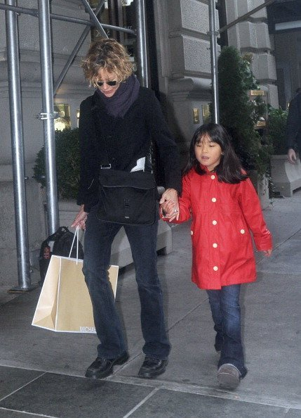 Meg Ryan and daughter Daisy on November 2, 2012 in New York City | Photo: Getty Images