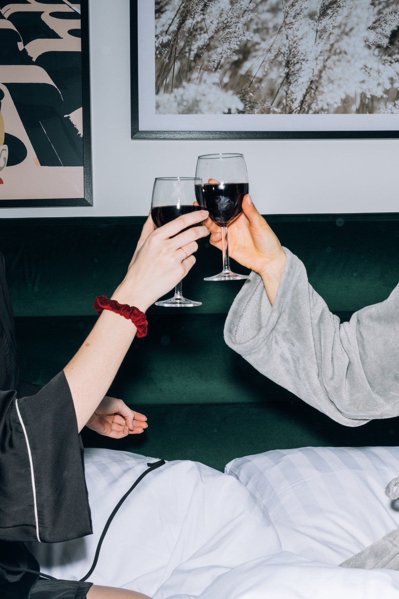 Phoebe came over with wine, and they had some fun. | Source: Pexels
