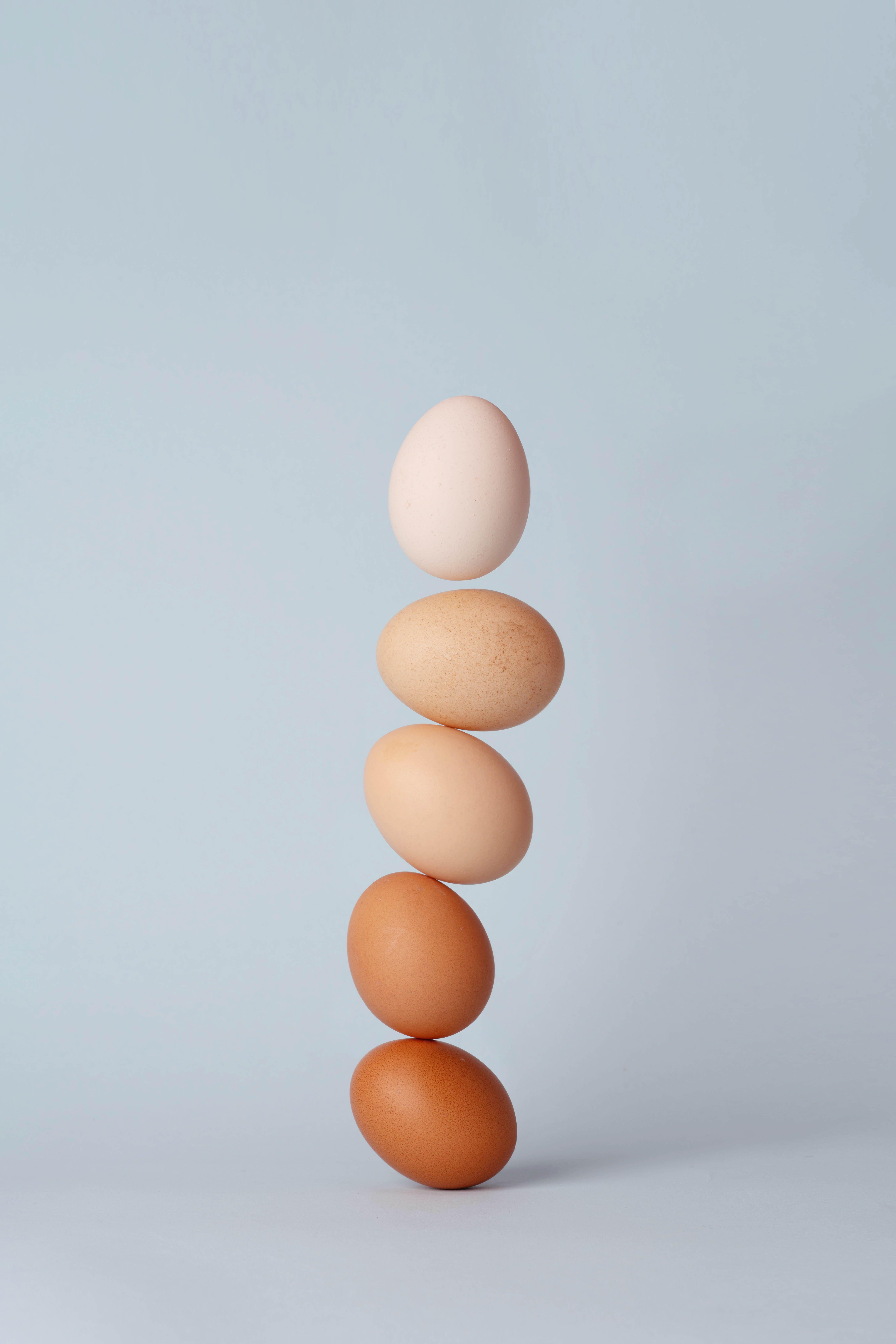 Eggs falling to the ground | Unsplash.com