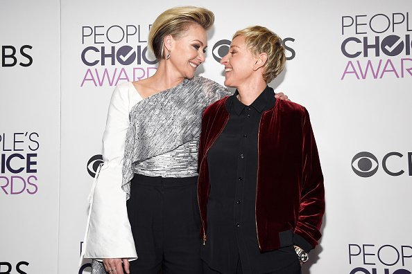 Ellen Degeneres and actress Portia De Rossi pose in the press room during the People's Choice Awards 2017 at Microsoft Theater on January 18, 2017, in Los Angeles, California. | Source: Getty Images.