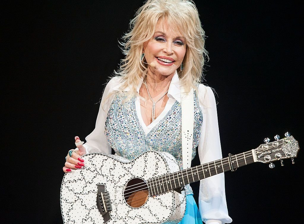 Dolly Parton at the Agua Caliente Casino on January 24, 2014 in Rancho Mirage, California. | Source: Getty Images