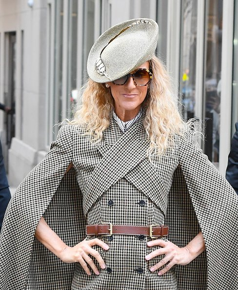 Céline Dion pose pour des photos dans la rue à Soho le 5 mars 2020 à New York. |Photo : Getty Images