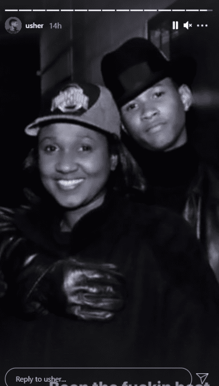 Usher Raymond and his mom posing for a photograph | Photo: Instagram/usher
