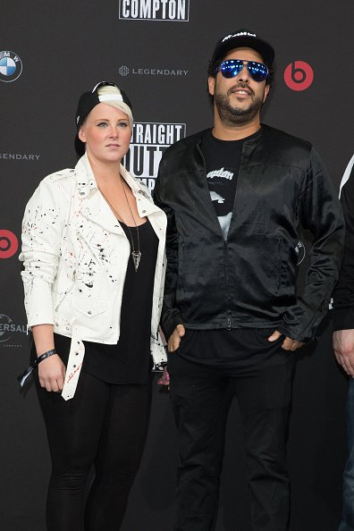 Adel Tawil und seine Frau Lena, 'Straight Outta Compton' European Premiere In Berlin, 2015 | Quelle: Getty Images